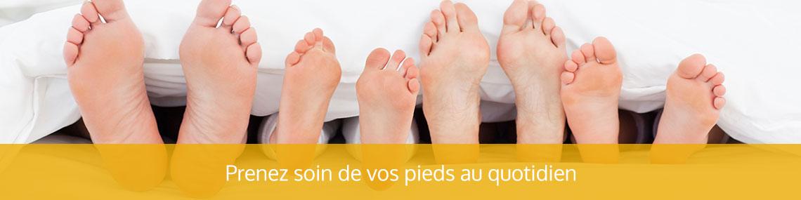 pieds d'une famille